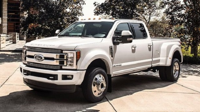 2019 Ford F-350 Super Duty front view