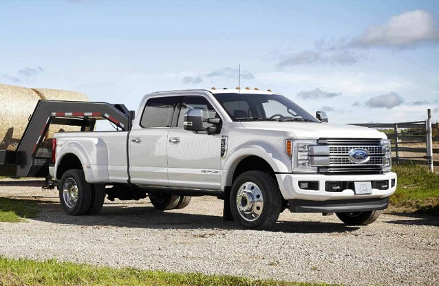2019 Ford F-350 Super Duty side view