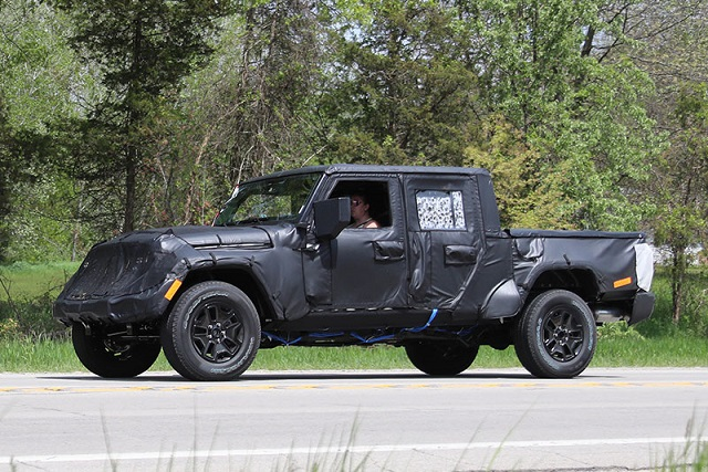 2020 Jeep Wrangler JT Pickup Truck side view