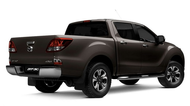 2019 Mazda BT-50 rear view