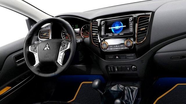 2019 Mitsubishi L200 interior