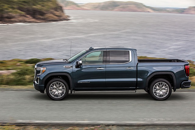 2019 GMC Sierra 1500 Denali side view