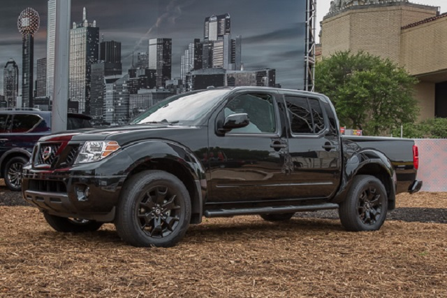 2019 Nissan Frontier Midnight Edition Crew Cab