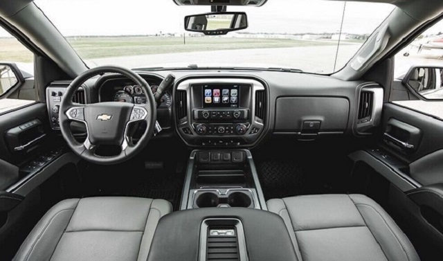 2020 Chevy Avalanche interior