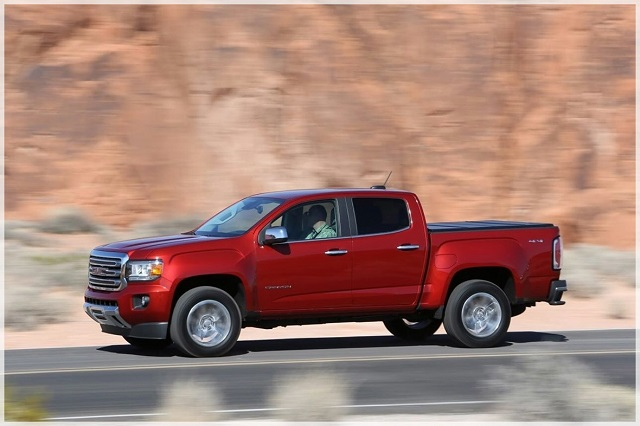2020 GMC Canyon side view