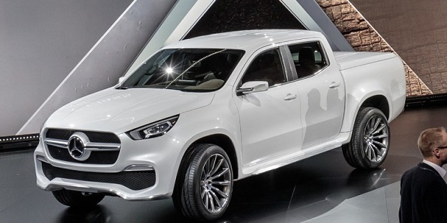 2020 Mercedes X-class front view
