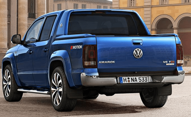 2020 VW Amarok rear view