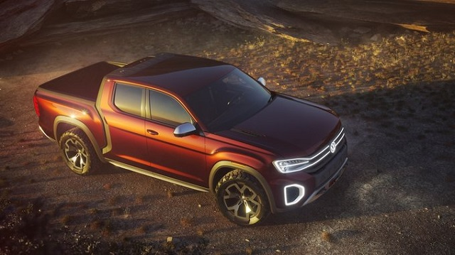 2020 VW Atlas Tanoak front view