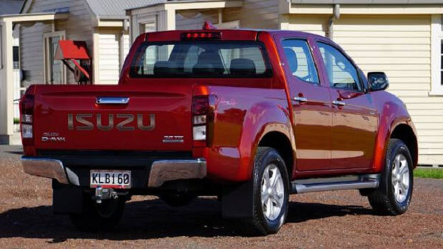 2020 isuzu d max rear view