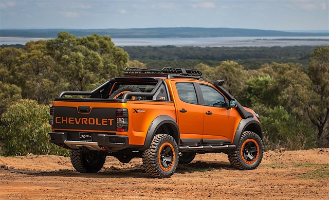 2020 Chevrolet Colorado ZR2 rear view