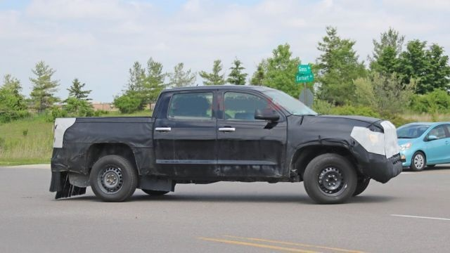 2021 Toyota Tundra future pickup trucks spy shot