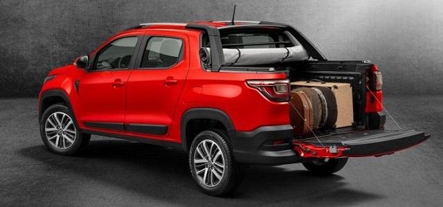 2021 Fiat Strada rear