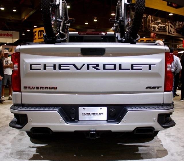 2021 Chevrolet Silverado Redline Edition rear view