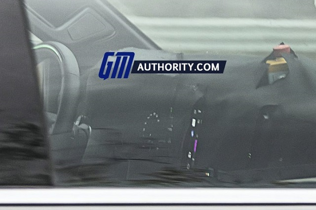 2022 Chevy Silverado 1500 Interior spy shot